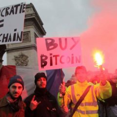 Yellow Vest Movement Starts a New Form of Protest – Burning Banknotes