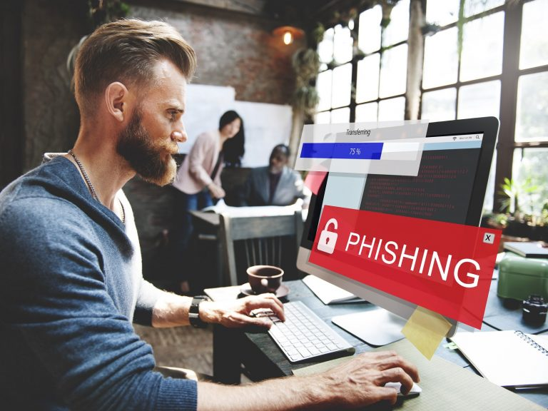 Cryptonite Browser Extension Protects You From Phishing Sites and Fake Profiles