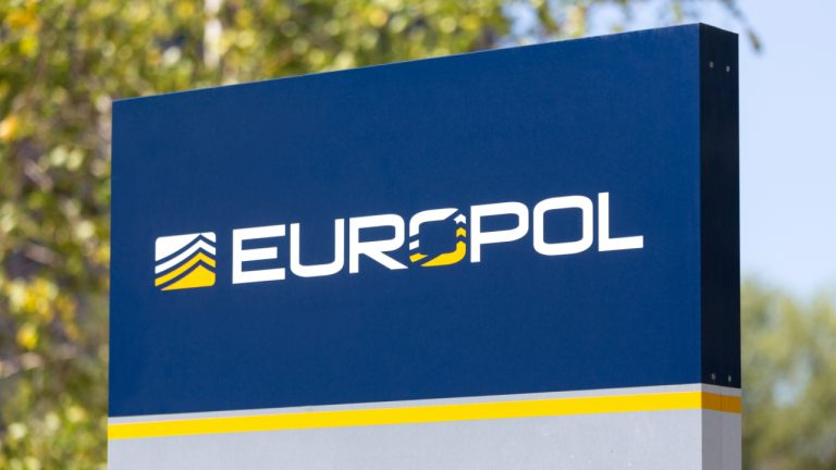 Europol Arrests 10 Members of a Sim Swapping Criminal Gang That Stole Cryptocurrencies Worth $100 Million